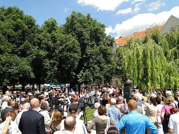 W_Pomník Puškina 2014.jpg